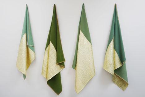 Les couvertures tissées d'or d'Edith Dekyndt, artiste minimaliste. Source : Service de presse