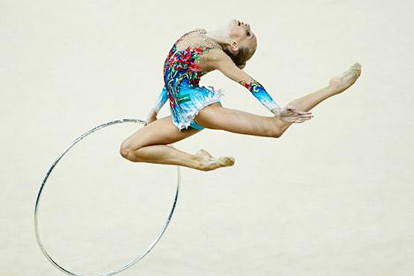 Yana Koudriavtseva lors de la competition finale du Championnat du monde de gymnastique rythmique à Kiev, en Ukraine, le 30 août 2013. Crédit : Reuters
