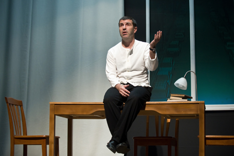 L'écrivain et dramaturge russe Evgueni Grichkovets (sur la photo) a réussi à recueillir très rapidement près de 22.800 euros pour la version vidéo de sa pièce de théâtre « +1 ». Crédit : Itar-Tass