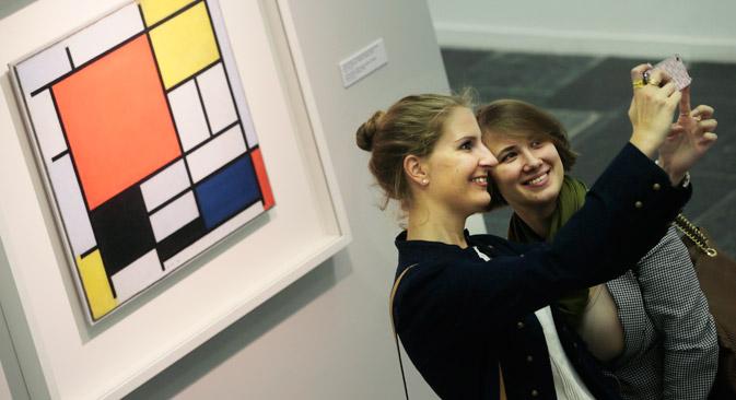 """Die Ausstellung """"Piet Mondrian – Weg zur Abstraktion"""" in der Tretjakow-Galerie ist noch bis Ende November zu sehen. Foto: ITAR-TASS"""