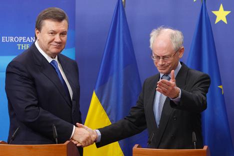 V. Yanoukovitch et H. Van Rompuy (président du Conseil européen). Crédit : Reuters