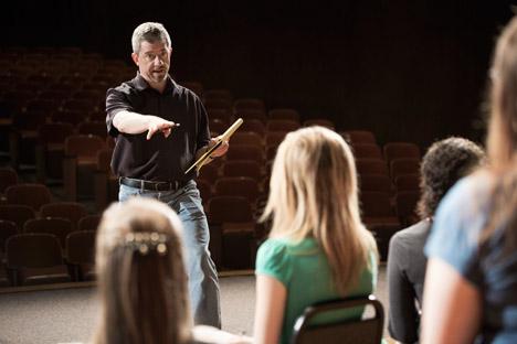 Das Theater bietet Managern und Politikern eine Bühne, ihre Ängste und Hemmungen zu überwinden. Foto: Getty Images / Fotobank