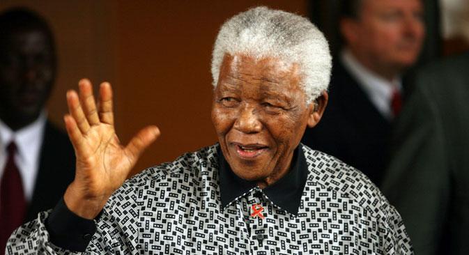 Devenu président, l'ancien rebelle Mandela s'est montré créateur et a fait d'énormes efforts afin d'apprendre aux noirs et aux blancs de vivre ensemble dans le nouvel état. Crédit : Reuters
