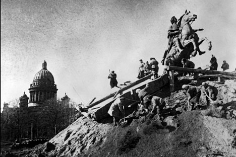 The siege of Leningrad started on 8 September 1941, and was finally lifted on 27 January 1944. Source: RIA Novosti