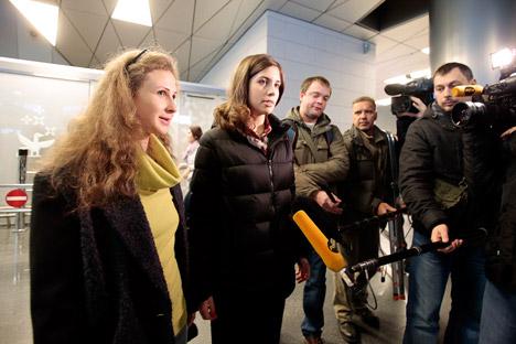 Maria Alekhina (à gaucje) et Nadejda Tolokonnikova. Crédit : Reuters