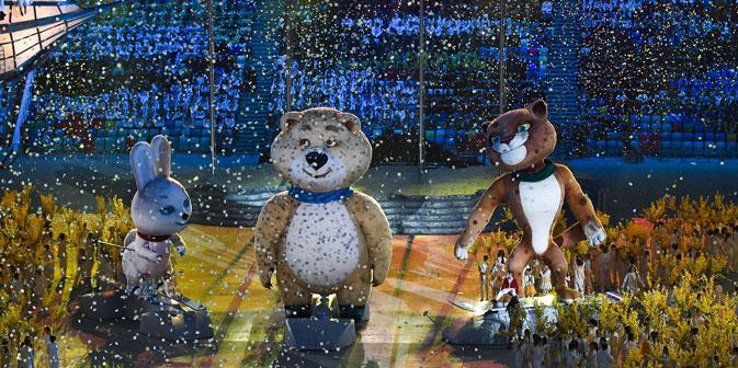 L'Ours Mishka, le Lapin et le Léopard ont éteint la flamme olympique. Crédit : Alexander Vilf / RIA Novosti