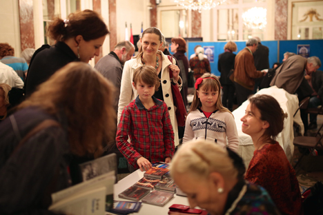 7ème Salon du livre russe au Centre de Russie pour la Science et la Culture à Paris, 2013. 2. Concert au Village russe. Crédit : service de presse