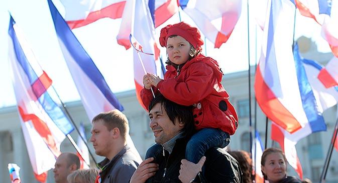 Les habitants de Simferopol à la veille du référendum. Crédit : Mikhaïl Voskressenski/RIA Novosti