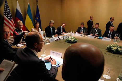 Acordo assinado em Genebra garante perspectiva de Ucrânia unificada Foto: Reuters