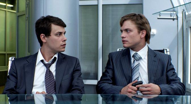 Le film plonge les spectateurs dans l'univers des années 1990, l'époque de la formation des entrepreneurs russes. Crédit : Kinopoisk.ru