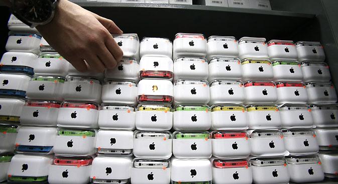 Samsung serait leader sur le marché des smartphones à Moscou en nombre de modèles vendus, mais deuxième derrière Apple en termes d'argent. Crédit : service de presse