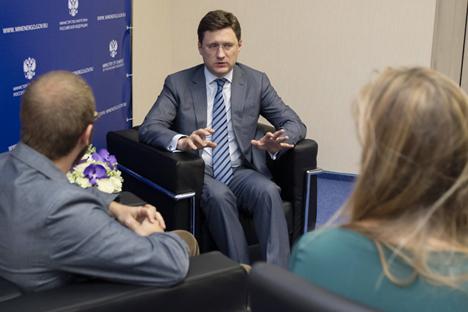 Alexandre Novak répond aux questions des journalistes. Crédit : Sergueï Koukssine/RG