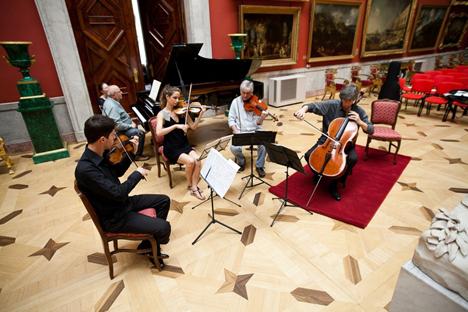 Représentation du Quatuor Parisii, à la salle de concert de l'Ermitage de Saint-Pétersbourg, le 21 mai 2014. Crédit : Vera Zaraeva