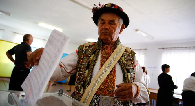 Au bureau de vote à Donetsk. Crédit : Reuters