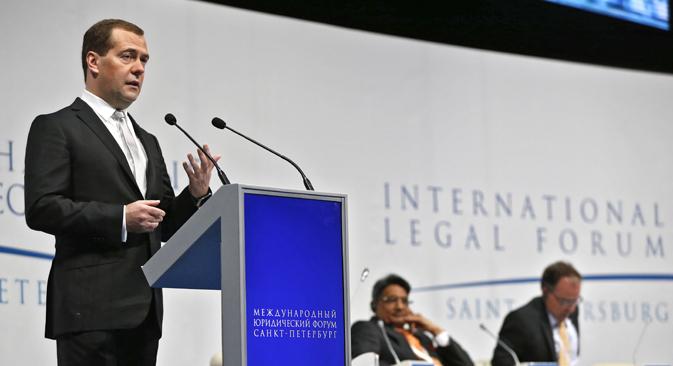 D'après Dmitri Medvedev, la décision de certains Etats d'introduire des sanctions sans l'accord du Conseil de sécurité l'ONU est une violation du droit international. Crédit : Dmitri Astakhov/RIA Novosti