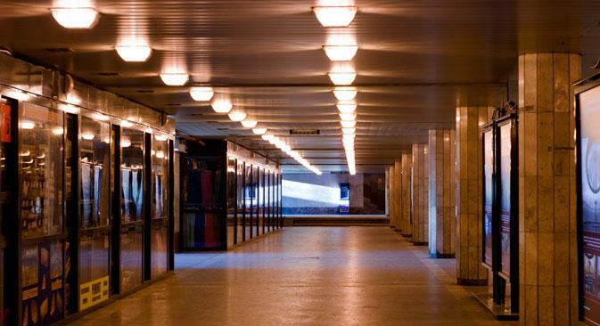 En échange de loyers élevés, la ville propose des passages rénovés, de nouveaux revêtements de sol, un éclairage moderne, des écrans plasma. Crédit: Lori/Legion Media