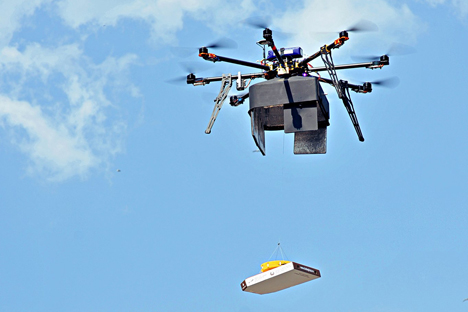 Um Drohnen kommerziell zu nutzen, bedarf es einer gesetzlichen Regelung. Auf dem Bild: Der ungewöhnliche Lieferservice von Dodo-Pizza. Foto: Pressebild