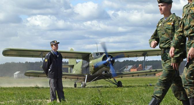 La remotorisation des appareils An-2 conservés depuis la période soviétique est en cours à l'heure actuelle. Crédit : AFP / East News