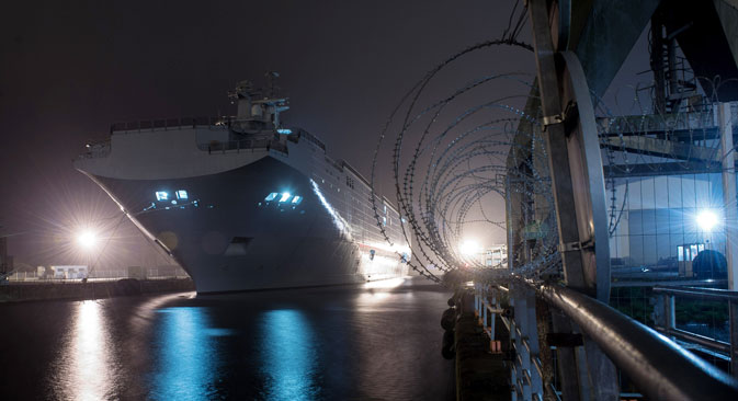 The Vladivostok amphibious assault ship of the Mistral class at the STX Europe shipyard in Saint-Nazaire. Source: Grigory Sysoev / RIA Novosti
