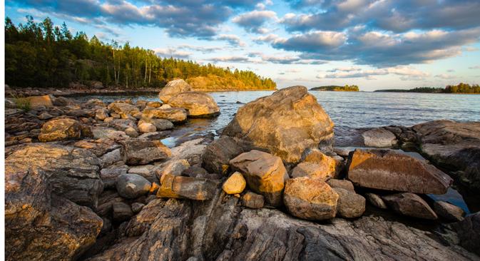 Coucher de soleil sur le Lac Ladoga. Crédit photo : Shutterstock/Legion-Media
