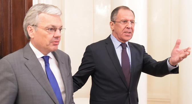 Didier Reynders (à gauche) et Sergueï Lavrov. Crédit : Edouard Pesov