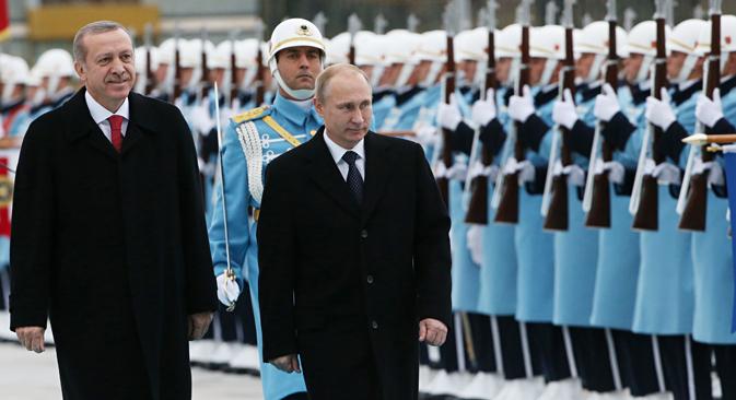 Le président turc Recep Tayyip Erdogan (à gauche) et son homologue russe Vladimir Poutine. Crédit : Konstantin Zavrajine/RG