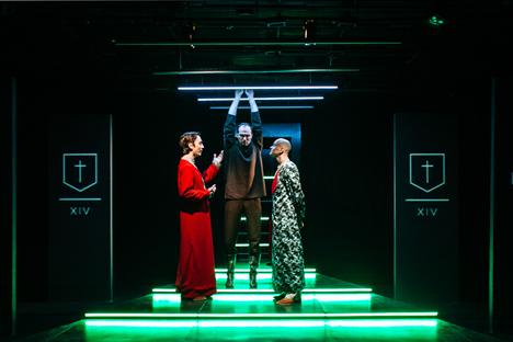 """Au Théâtre Praktika on joue """"Enquête"""" un spectacle sur les sondages politiques. Source : Théâtre Praktika"""