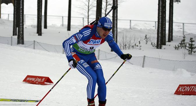 Le biathlète russe Alexey Volkov. Crédit : wikipedia.org/Peter Porai-Koshits