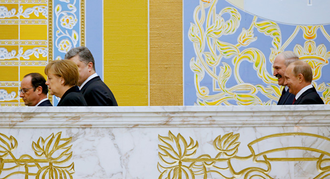Angela Merkel, Petro Porochenko, François Hollande, Vladimir Poutine et Alexandre Loukachenko au palais présidentiel de Minsk. Crédit : AP