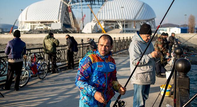 La déconstruction du stade olympique Fischt. Crédit : Mikhaïl Mordassov