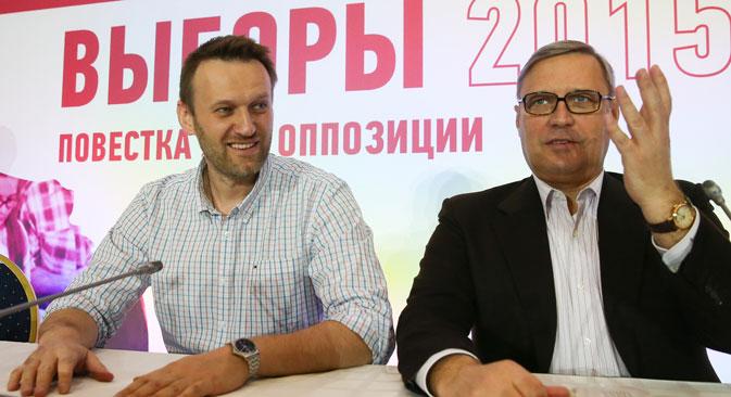 """Vorsitzender der Fortschrittspartei Alexej Nawalny und Chef der Partei """"RPR-PARNAS"""" Michail Kasjanow. Foto: TASS"""