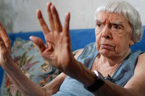 Lioudmila Alexeïeva entame ses activités dans le domaine de la défense des droits de l'homme en s'élevant contre les procès de détenus politiques en 1966. Crédit : Reuters