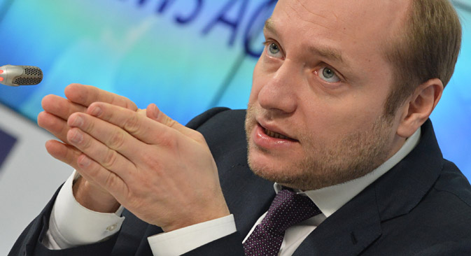 Le ministre russe du développement de l'Extrême-Orient Alexandre Galouchka lors d'une conférence de presse. Crédit : Iouri Machkov/TASS