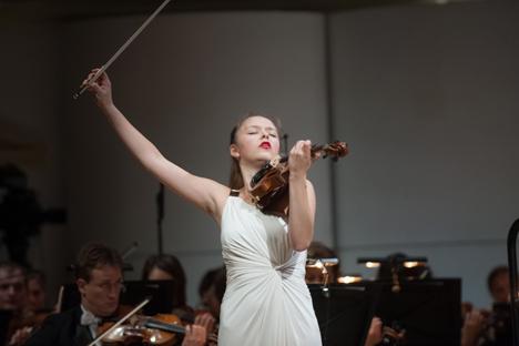 La violoniste moldave Alexandra Conunova. Crédit : service de presse