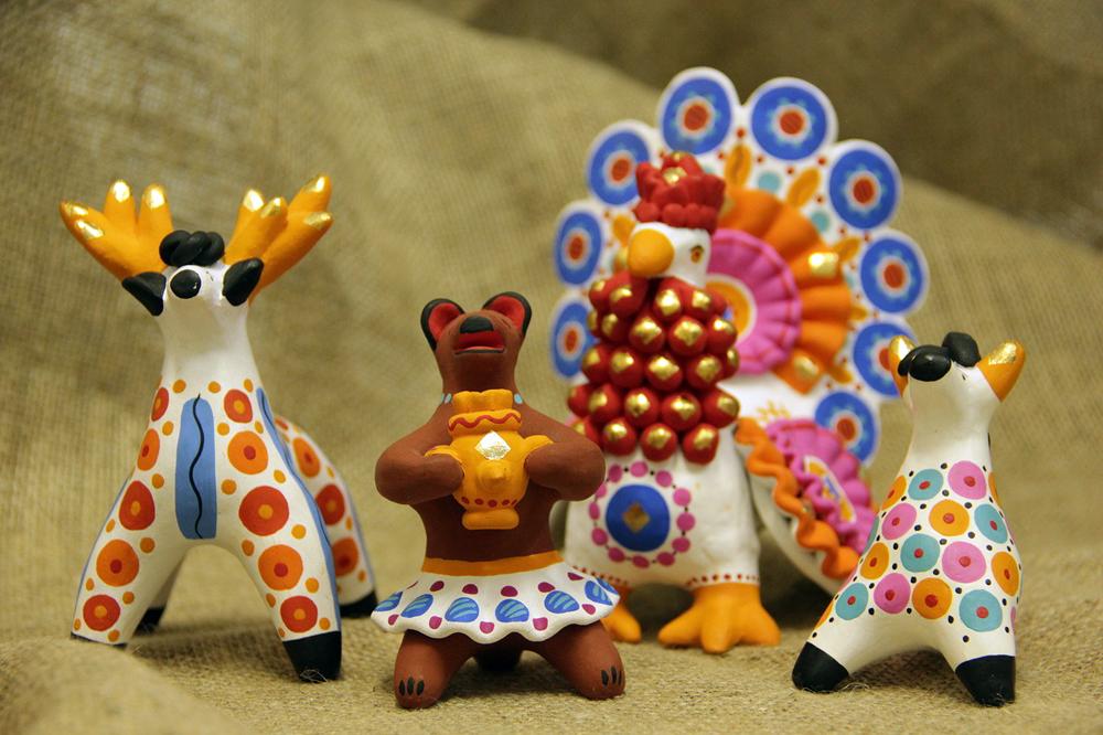 Die Dymkowo-Spielwaren von Oksana Romanowa.