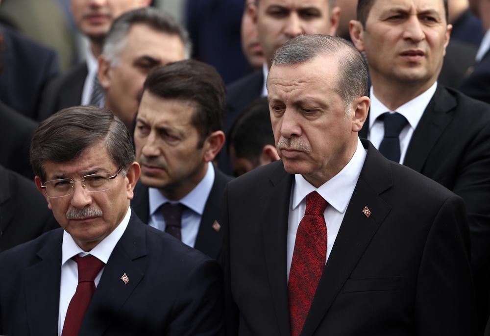 Ahmet Davutoglu et Recep Tayyip Erdogan.