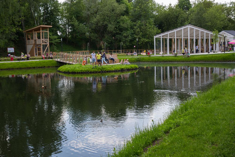 """Il progetto del centro didattico per famiglie """"La fattoria in città"""" realizzato a Mosca."""