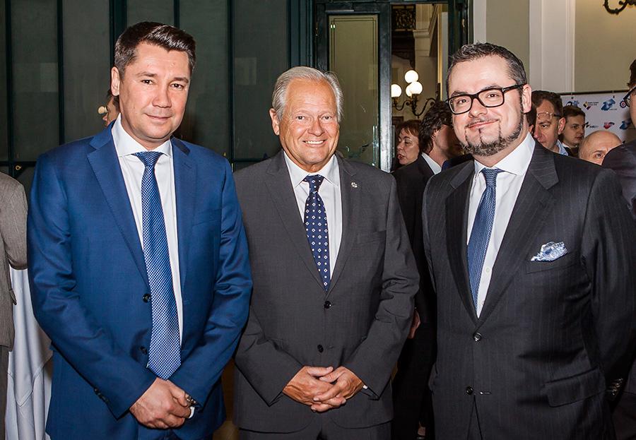 Le directeur général de la Chambre de commerce  belgo-luxembourgeoise en Russie, Oleg Prozorov, le directeur général de la Chambre de Commerce belgo-luxembourgeoise pour la Russie et la Biélorussie, Arkady Arianoff, et monsieur l'ambassadeur du Grand-Duché de Luxembourg en Russie, Jean-Claude Knebeler. Crédit: service de presse