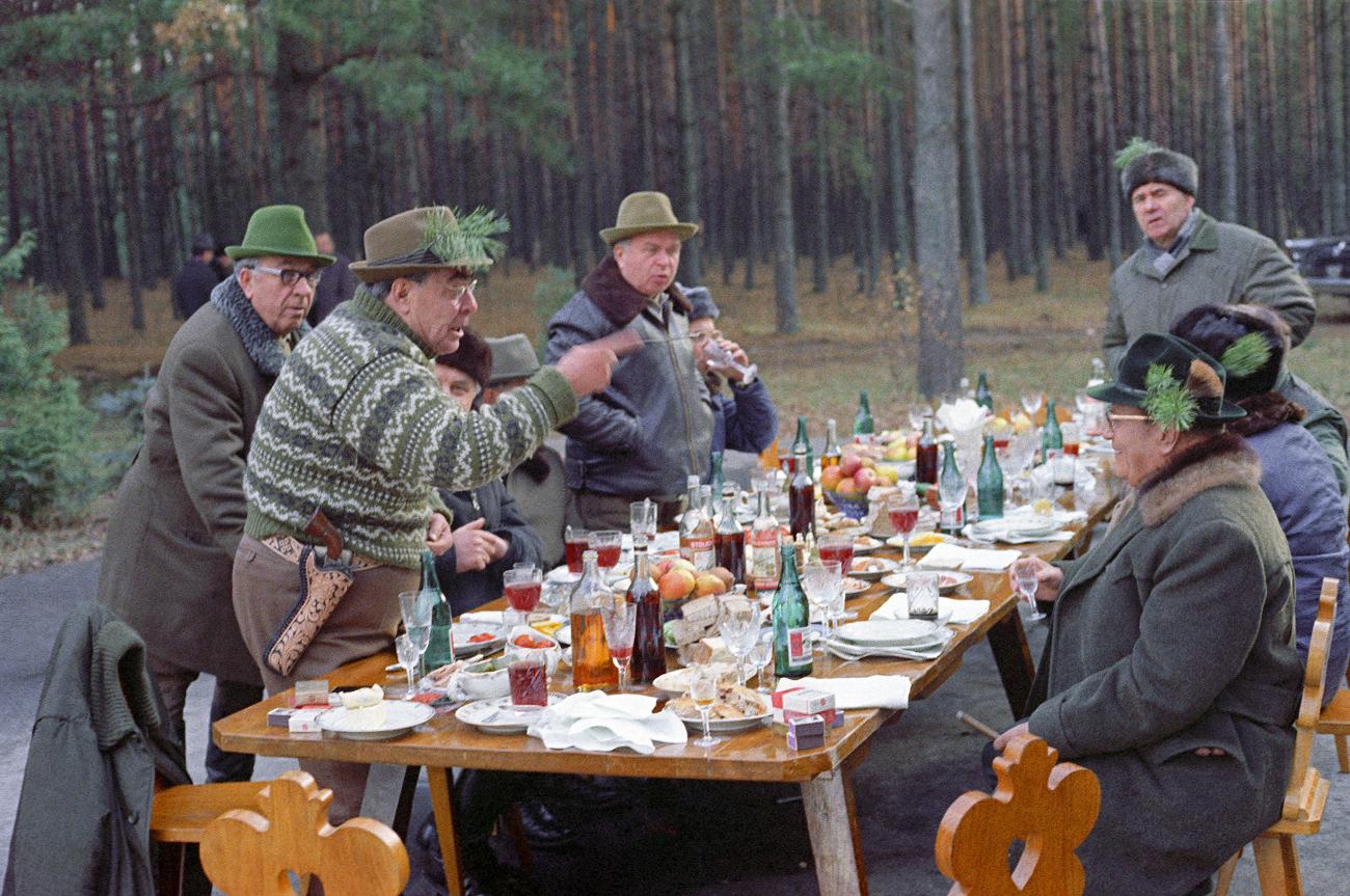 Леонид Брежњев и Јосип Броз Тито у Залесју, Украјинска ССР, 1973. /
