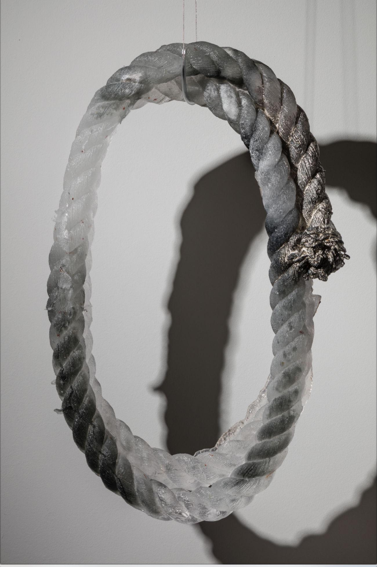 Nœud ovale par Maria Kochenkova. Crédit : Clara Scremini Gallery