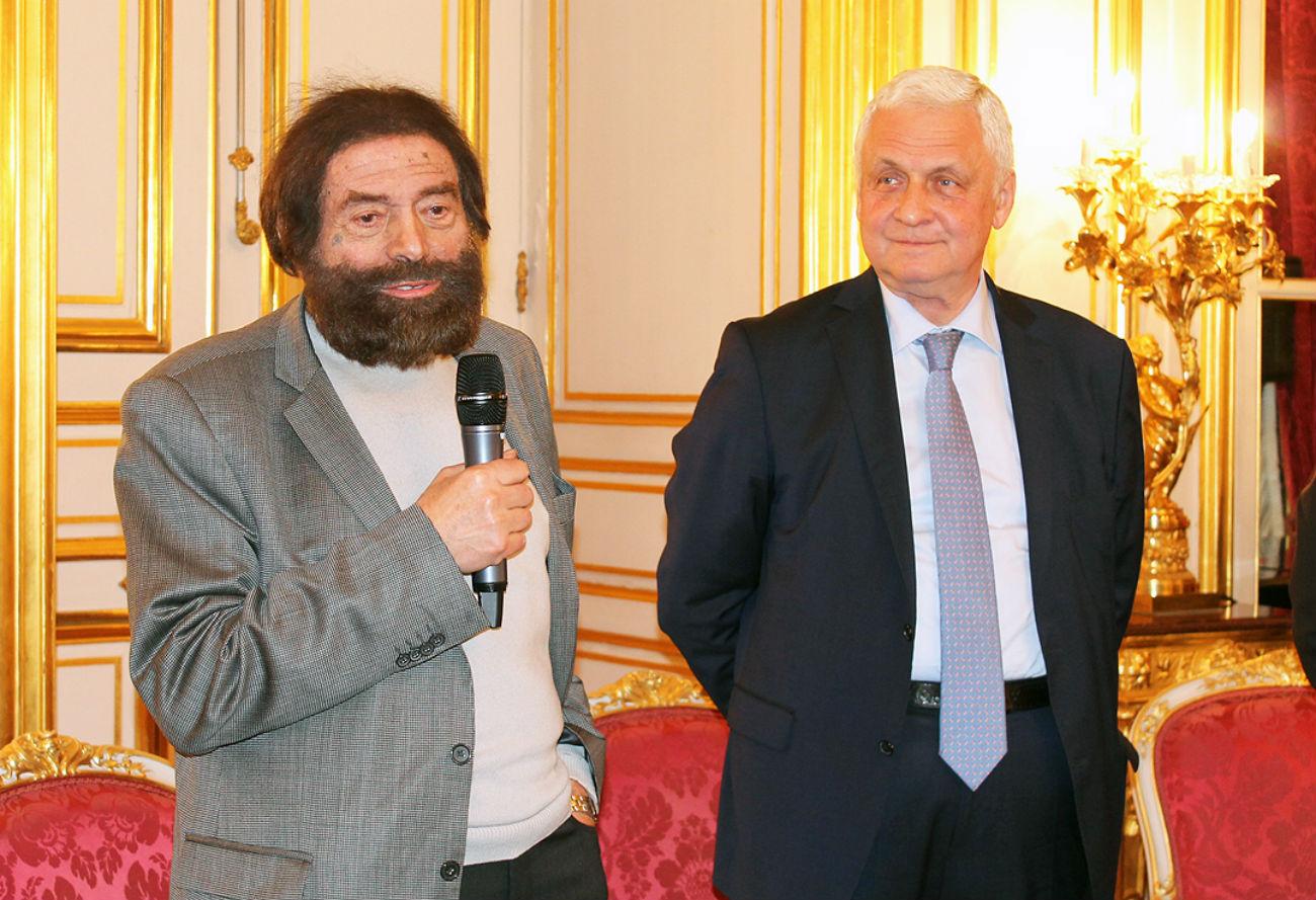 Marek Halter et l'ambassadeur russe Alexandre Orlov.