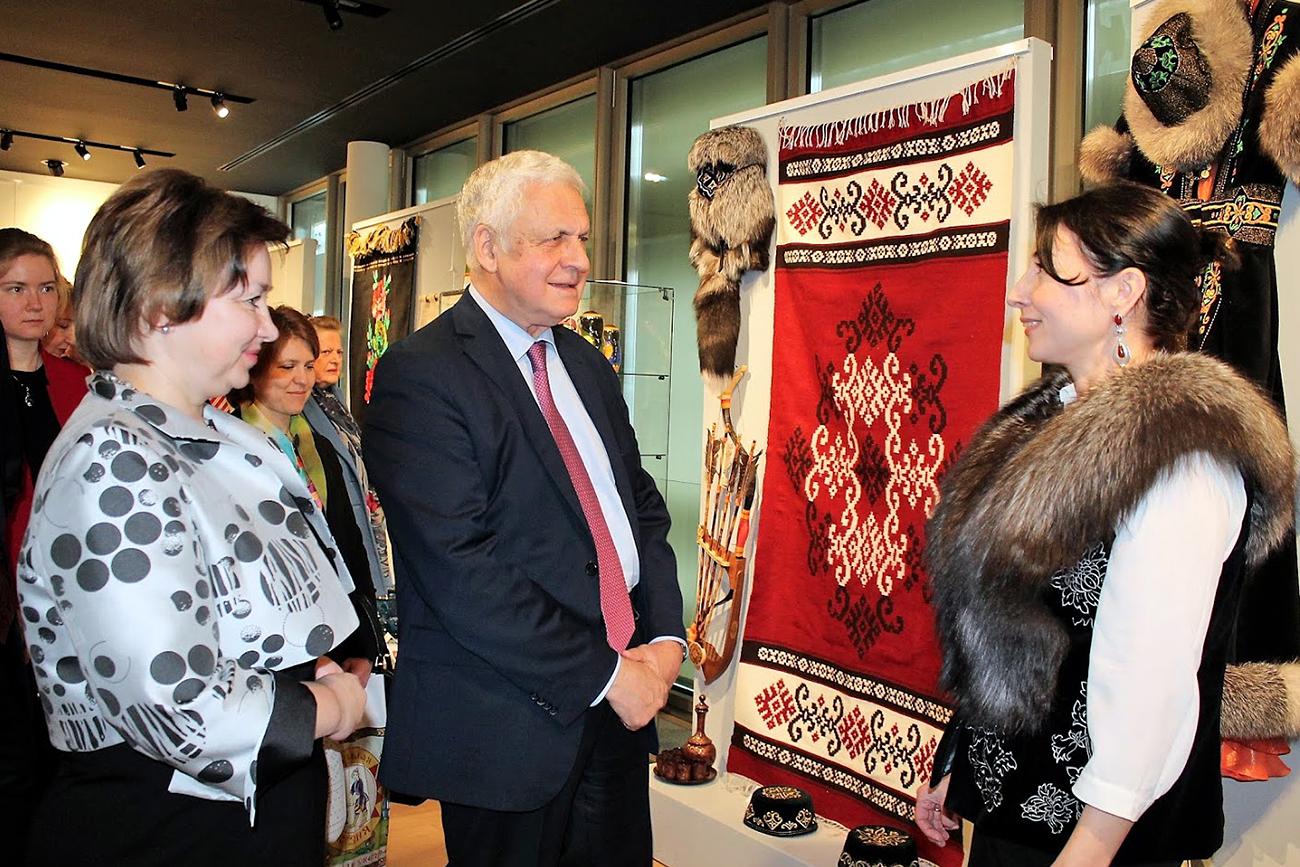 L'ambassadeur russe en FranceAlexandre Orlov et Olga Iarilova, directrice du département du tourisme et de la politique régionale du ministère russe de la Culture.n