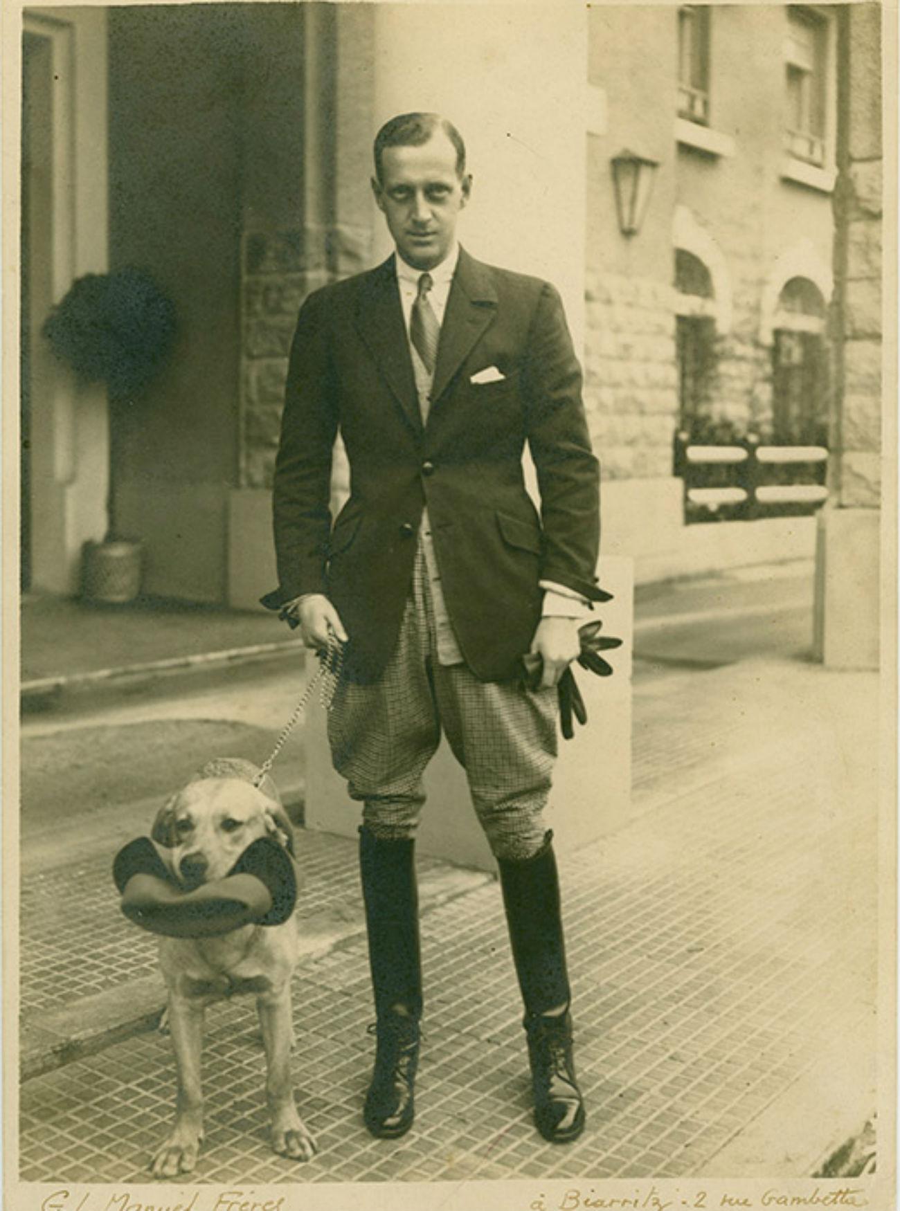Dans les années 1920, le grand-duc Dimitri est venu plus d'une fois à Biarritz avec Coco Chanel. Leur histoire d'amour a duré à peine un an, mais ils sont restés bons amis jusqu'à la mort de Dimitri. C'est en effet Dimitri qui a présenté la grande couturière française aux personnalités du monde des arts, notamment à Ernest Beaux, le créateur du célèbre parfum Nᵒ5. C'est à Biarritz qu'il a épousé en 1926 Audrey Emery, la fille du millionnaire américain John Josiah Emery.