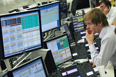 A crise de liquidez atingiu os bancos médios e pequenos, impossibilitando as operações de pagamento entre eles Foto: RIA Nóvosti