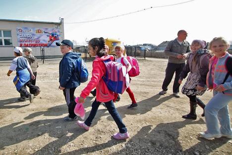 """""""Dok ima škole, ima i djece. A ako se škola zatvori, mlade obitelji počet će razmišljati o selidbi''. Fotografija: Tatjana Andrejeva, Rossiskaja gazeta."""