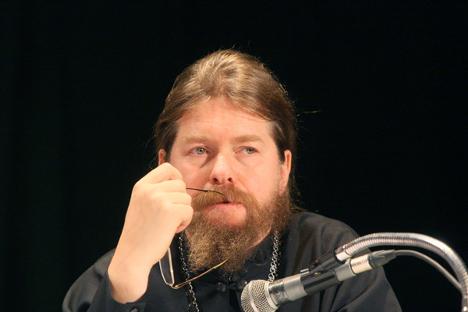 """Arhimandrit Tihon Ševkunov: """"Za mene knjiga je dio svećeničkog služenja"""". Izvor: RIA """"Novosti""""."""