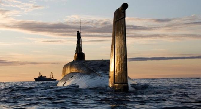 """Nuklearna podmornica """"Jurij Dolgoruki"""" za vrijeme probne plovidbe. Izvor: Pres-služba """"Sevmaša"""" / RIA """"Novosti""""."""
