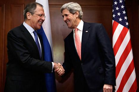 Šef ruske diplomacije Sergej Lavrov i državni tajnik SAD-a John Kerry u Berlinu. Izvor: Reuters.