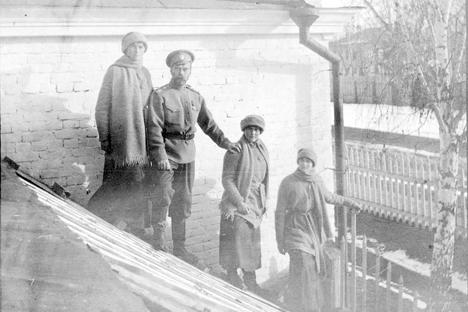 Carska obitelj u Toboljsku. Izvor: arhiv