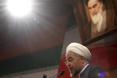 """""""Os direitos do Irã e seus interesses nacionais, incluindo o direito de usar a energia atômica para fins pacíficos no âmbito dos acordos internacionais, bem como o enriquecimento de urânio no país, representam uma 'linha vermelha' para nós"""", disse o presidente Rohani Foto: AP"""